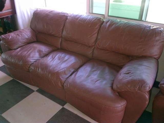 Descansa como un rey con estos muebles en piel..