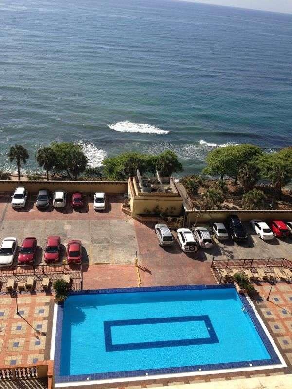 Bello apartamento en el 13avo piso con espectacular vista al mar!!