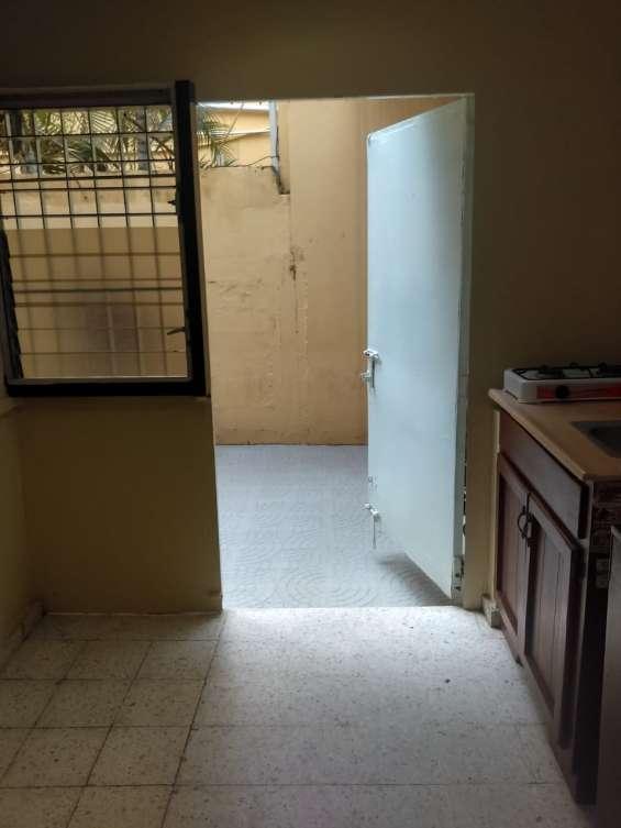Alquiler apartamento estudio amueblado zona universitaria