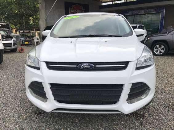 Ford escape se blanca 2014