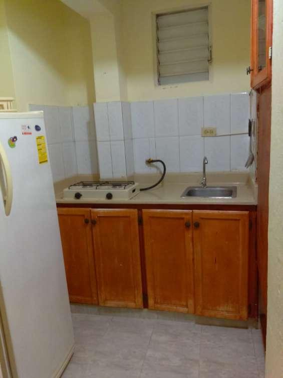 Alquiler apartamento estudio, amueblado gazcue, agua, gas y luz