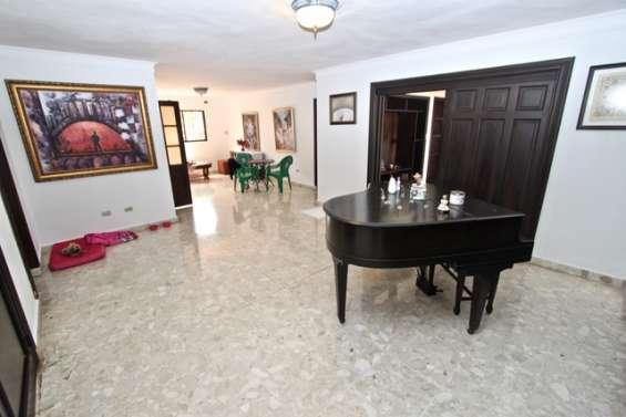 Vendo apartamento en ev. morales 2 nivel